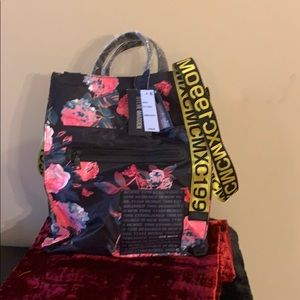 Black floral reversible tote Steve Madden tote NWT